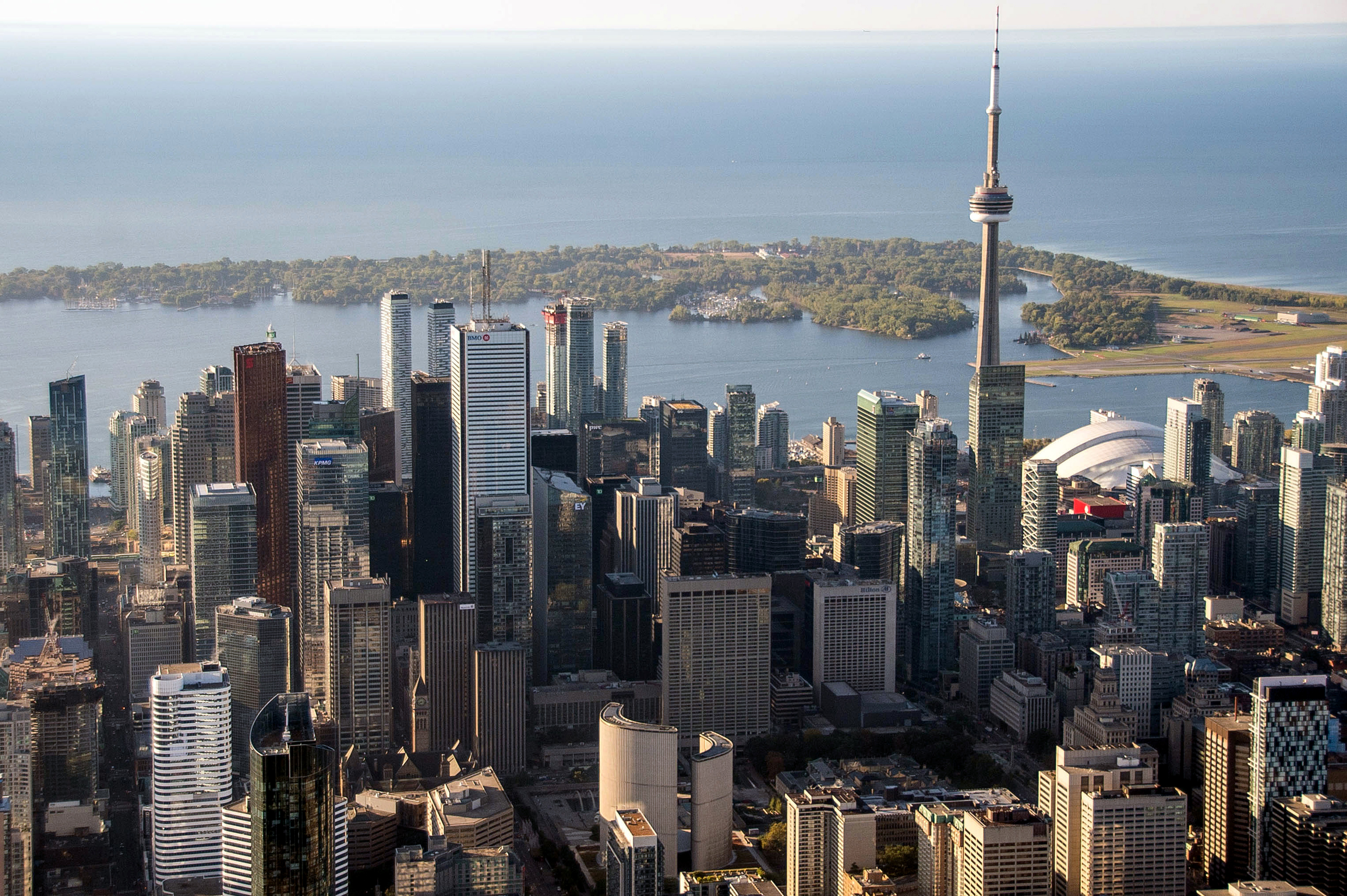 TOP 10 HIGHEST & LOWEST PRICE PER SQUARE FOOT CONDOS IN DTN TORONTO